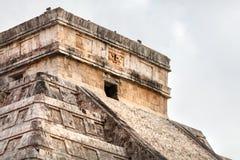 Temple de Kukulcan, ou El Castillo, dans Chichen Itza, péninsule du Yucatan, Mexique Photographie stock libre de droits