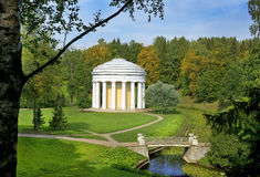 Temple de l'amitié en parc de Pavlovsk, St Petersbourg Photo libre de droits