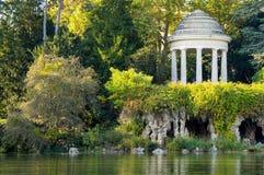 Temple de l'amour dans la forêt de Vincennes Photographie stock