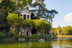 Temple de l'amour dans la forêt de Vincennes Photo stock