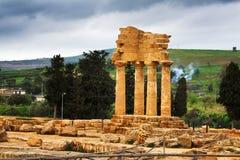 temple de la Sicile de dioscuri Photos libres de droits