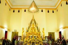 Temple de la Thaïlande à la ville de rayong. Photos stock