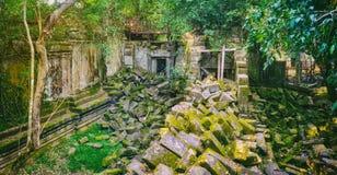 Temple de Mealea de Beng Mealea ou de bondon Le Cambodge cambodia Panorama images libres de droits