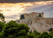 Temple de parthenon sur la colline d'Acropole à Athènes, Grèce Photographie stock