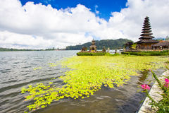 Temple de Pura Ulun Danu sur un lac Beratan Bali, Indonésie Images libres de droits