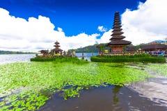 Temple de Pura Ulun Danu sur un lac Beratan Bali, Indonésie Image libre de droits