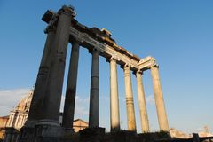 Temple de Saturn, Rome Photos stock