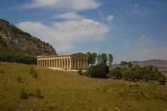 Temple de Segesta de loin Photos libres de droits