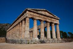 Temple de Segesta, un des meilleurs restes du type grec en Sicile, l'Italie Images libres de droits