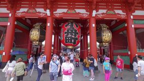 Temple de Senso-JI à Tokyo - Sensoji célèbre Asakusa - à TOKYO, JAPON - 12 juin 2018 banque de vidéos