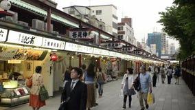 Temple de Sensoji Kaminarimon et rue d'achats, Tokyo banque de vidéos