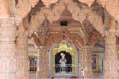 Temple de Swaminarayan, Mahesana - Inde image stock