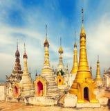 Temple de Thaung Tho sur le lac Inle myanmar Photos libres de droits