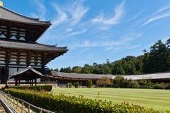 Temple de Todai-ji contre le ciel bleu Images libres de droits