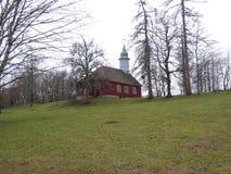 Temple de Turaida construit sur la colline d'église image stock