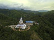 Temple de Wat Thaton de vue aérienne en Chiang Mai, Thaïlande image libre de droits