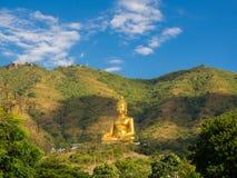 Temple de Wong Phra Chan au sommet de montagne pour le thailandais photos stock