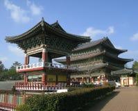 Temple de Yakchunsa de bouddhisme sur l'île de Jeju Photographie stock