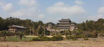 Temple de Yakchunsa de bouddhisme sur l'île de Jeju Photos stock