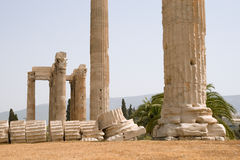 Temple de Zeus olympique à Athènes Photo stock
