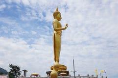 Temple debout de Bouddha avec la grande statue de Bouddha Photos libres de droits
