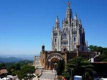 Temple du coeur de flambage sur la colline de Tibidabo à Barcelone photos libres de droits