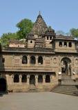 Temple et cénotaphe historiques Maheshwar Photo libre de droits