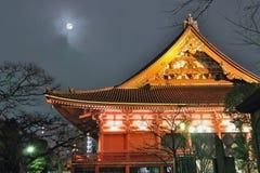 Temple et lune Photos libres de droits