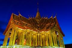 Temple. Golden temple at night , Bangkok Royalty Free Stock Image