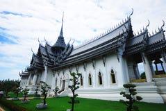 Temple grand chez Mueng Boran Image libre de droits