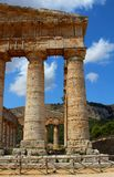 Temple grec dorique classique chez Segesta, Sicile image stock