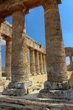 Temple grec dorique classique chez Segesta, Sicile photo libre de droits