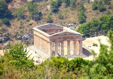Temple grec dorique classique chez Segesta, Sicile image libre de droits