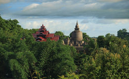 Free Temple In Mrauk U, Sub Region Of The Sittwe District, Rakhine State, Myanmar. Royalty Free Stock Images - 34566639