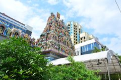 temple indou coloré de sri de Singapour de sculptures en art veeramakaliamman Images stock