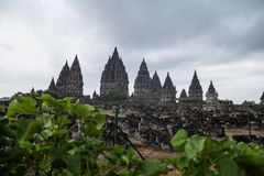 Temple indou de Prambanan en dehors de ville de Yogyakarta Images libres de droits