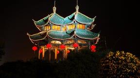 temple la nuit photo stock