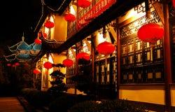 temple la nuit photographie stock