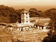 Temple maya de pyramide Photographie stock libre de droits