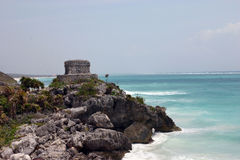 Temple maya sur la mer Photos libres de droits