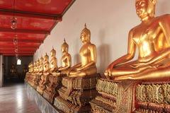 Temple menteur de Wat Pho Bouddha à Bangkok, Thaïlande - détails photo libre de droits