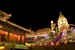 temple neuf allumé chinois en hausse l'an Photo libre de droits