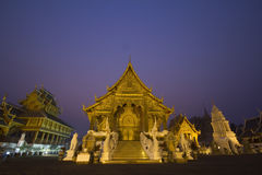 Temple at night with purple sky of Thailand Royalty Free Stock Photos