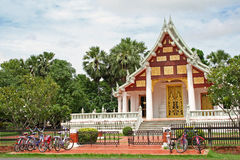 Temple parking Sukhothai thailand Stock Photo
