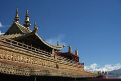 Temple roof and blue sky Royalty Free Stock Photography