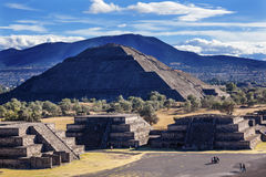 Temple of Sun Avenue of Dead Climbing Pyramid Teotihuacan Mexico Stock Photography