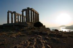 Temple sur la mer au coucher du soleil Images libres de droits
