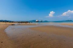 Temple thaïlandais Chruch sur la mer Photographie stock libre de droits