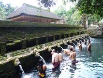Temple Tirta Emplu dans Bali Cérémonie rituelle de la purification, photos stock