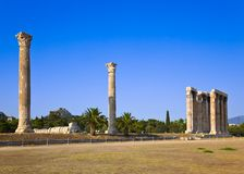 Temple of Zeus and Lycabettus hill at Athens Royalty Free Stock Images